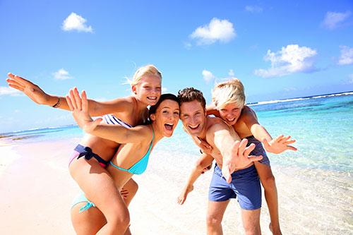 beach-family-enjoy-pips-membership